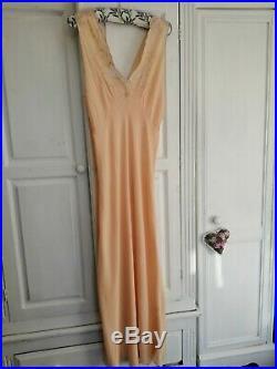 Antique Vintage 1930s Pure Silk & Lace slip / Nightdress / nightie/ dress