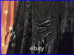 Beautiful Vintage 90's Lip Service Gothic Medieval Renaissance Black Crushed