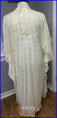 Elegant Vtg White Lace Hostess Caftan Butterfly Sleeve Maxi Dress w Slip 60's