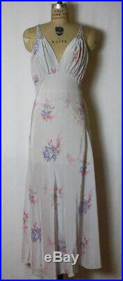 Gorgeous Vintage 1950s Floral Printed Saks Fifth Ave Slip dress Nightgown