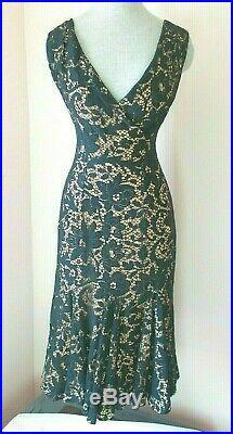Vavavoom! Black lace. Peach slip. Hourglass Wow! C. 1950