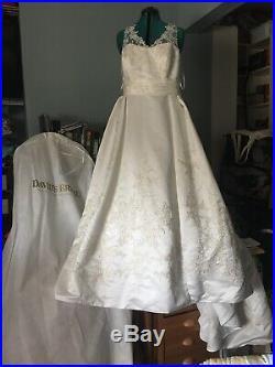 Vintage Style Designer Wedding Bundle (Size 14 Dress, Slip, Veil, And Tiara)
