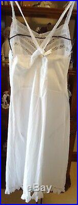 Vtg 60s FEM White Silky Nylon Crystal Pleated Full Slip Dress 36 Shadow Panel
