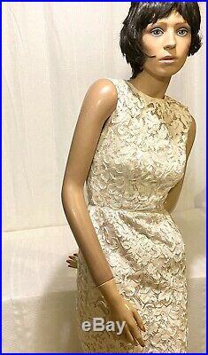 Vtg. White Battenburg Lace Sleevless Dress Size 6 Slip Zip Back Form Fitting